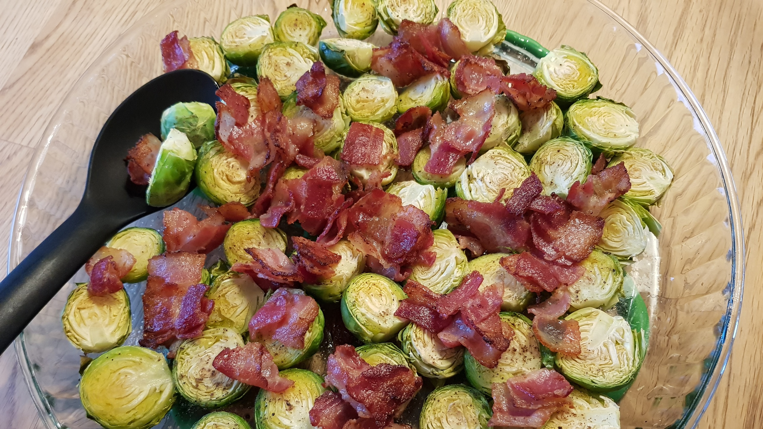 Ugnsrostad Brysselkål med bacon